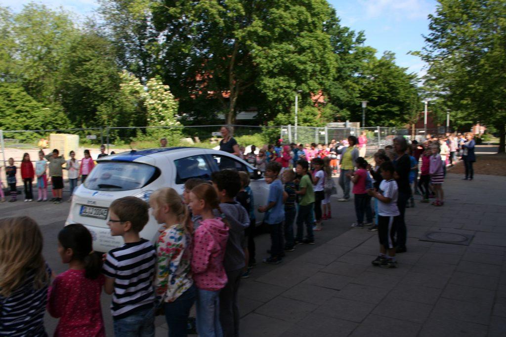 IMG_2978Spalier an der Schule Schimmelmannstraße
